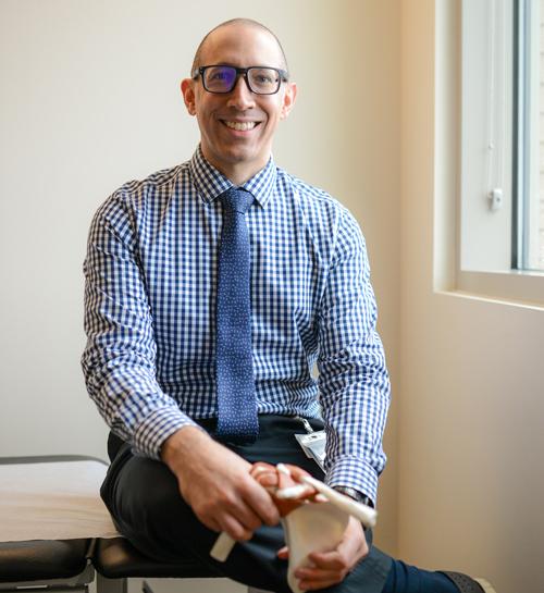 Orthopedics, Shoulder pain, Dr. Idjadi